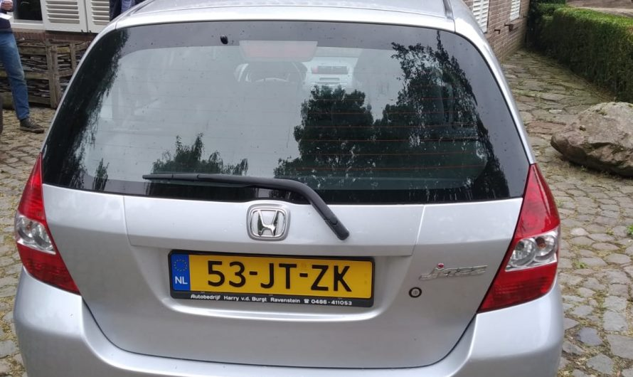 Verhuurd/kiralandi-Honda jazz automaat airco 2002 met nieuwe APK /doktordan-van droranjesnor